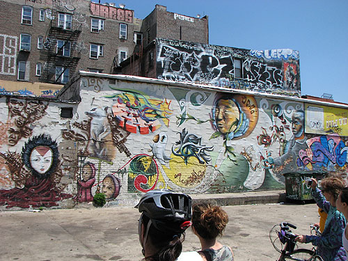 Recently Three Well Known Nyc Photobloggers Headed Up A Bike Tour Of Some The Best Graffiti And Street Art Spots In Brooklyn It Was Good Time